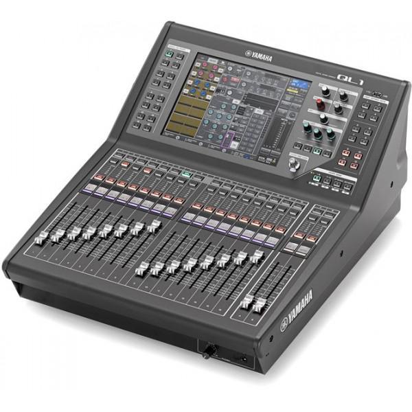 Yamaha QL1. 32 canale mono, 8 stereo
